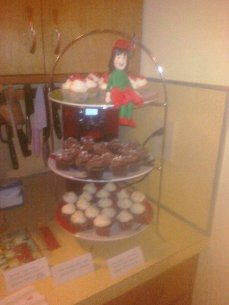 Elf Cupcake Stand